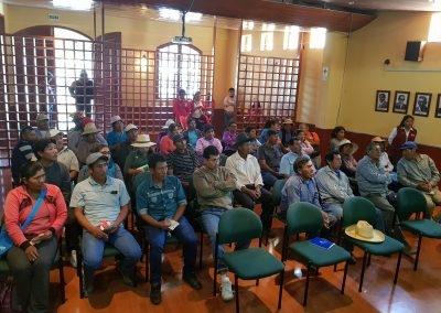 Participación de los beneficiarios en eventos de capacitación en el auditorio de la Municipalidad de Torata.
